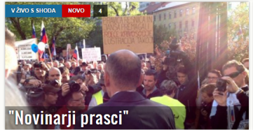 Janša shod novinarji prasci